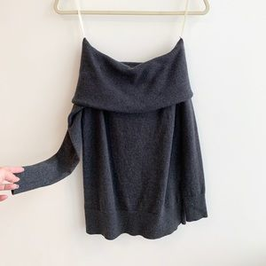 Aritzia Off-shoulder long sleeve knitted top